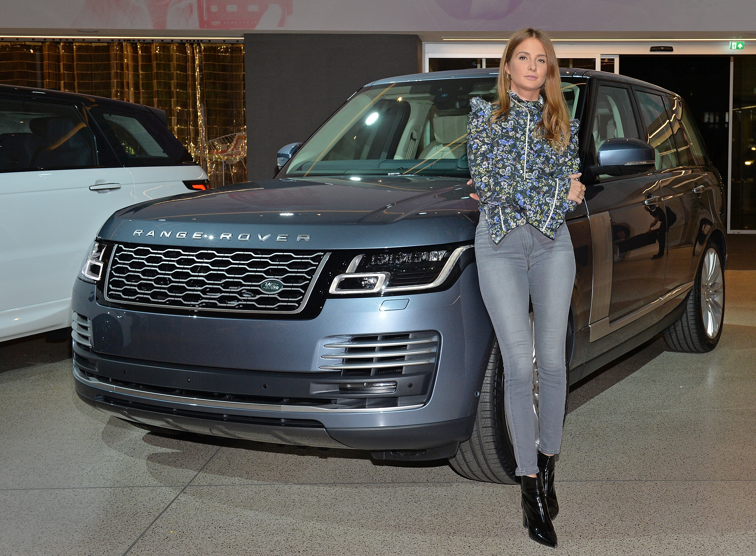 pictures specs geneva magazine show coupe prices sv car landrover the land by first official news rover inside range new motor revealed